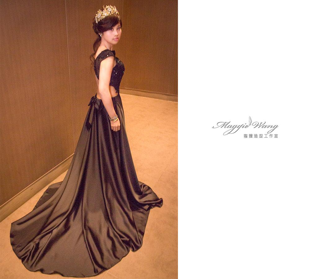 黑色裸空蕾絲禮服