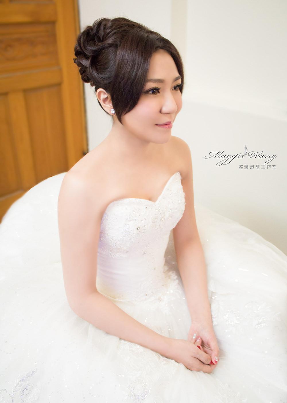 白紗盤髮造型
